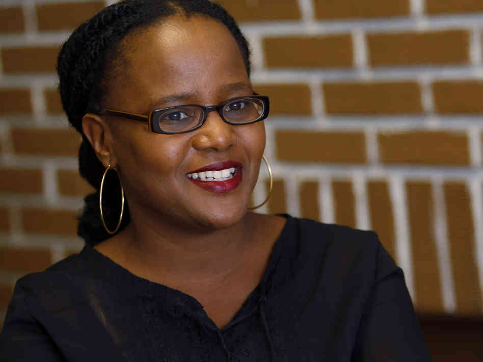 edwidge danticat Edwidge danticat (author of eyes, breathe, memory, krik krak, and the farming of bones) lives in brooklyn, new york i interviewed her recently on the lawn in bryant park this interview has never been seen or published her latest book is the farming of bones al: maybe we should talk about haiti .